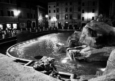 Fontana-di-Trevi-5-13-Uhr-Rom-2000